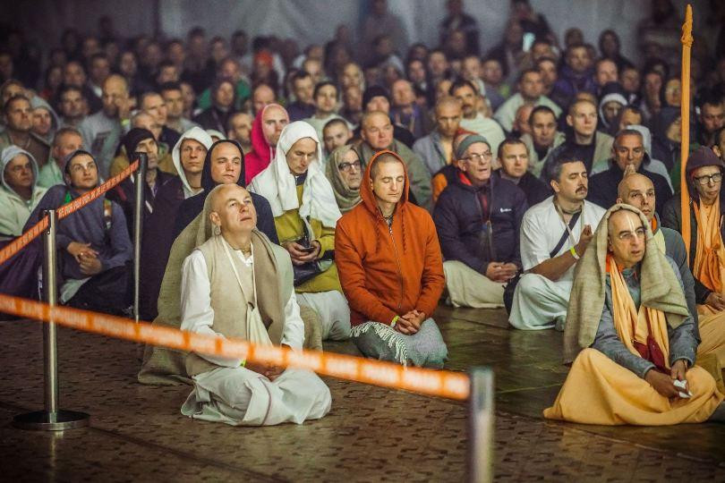 Защита в виде парампары духовных учителей