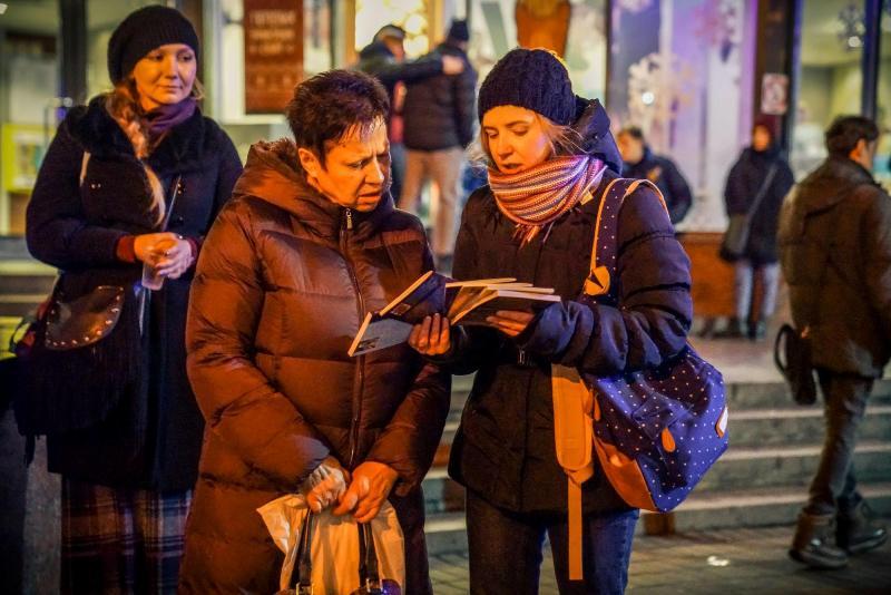 Почему современные люди не читают?